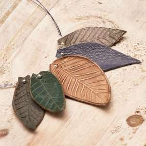 Leaves Leather Necklace II