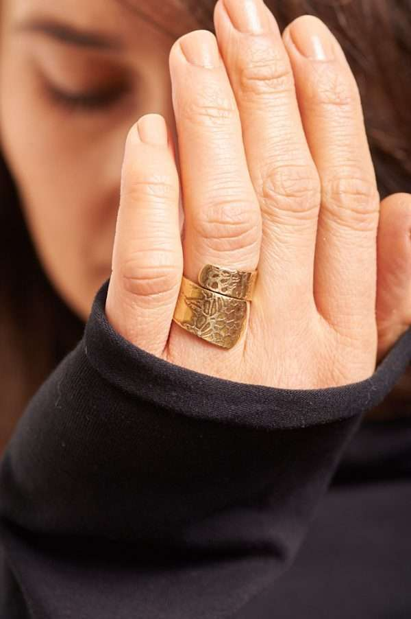 Handmade Adjustable Brass Ring Pose 7
