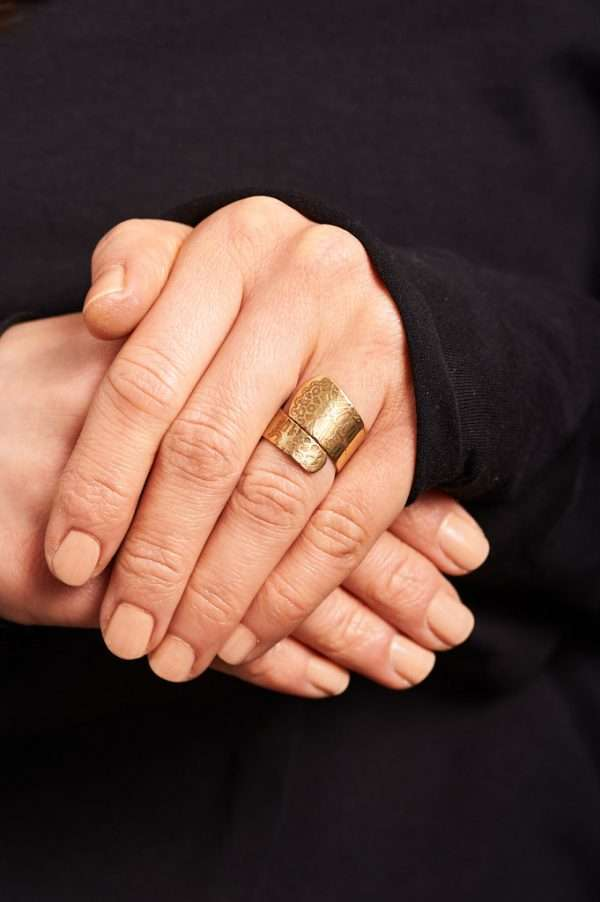 Handmade Adjustable Brass Ring Pose 6