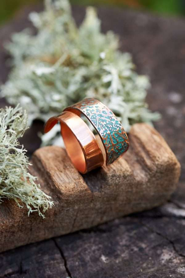 Copper Leaf Motif Ring Distant Shot