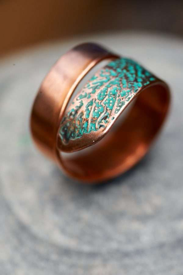 Copper Leaf Motif Ring focused